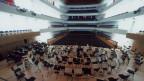 Wegen Corona keine Auftritte für Musikschaffende - leere Reihen im grossen Saal des KKL.