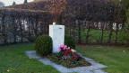 Das Grab von Willi Ritschard in Luterbach.