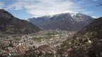 Die Stadt Bellinzona bekommt eine zusätzliche Autobahnausfahrt. Die Volksabstimmung dazu hat das Tessin aber in zwei Hälften gespalten.
