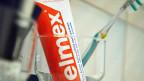 Die bekannteste Schweizer Zahnpasta wird künftig in Polen hergestellt.