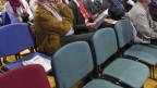 Was tun, damit die Stühle an der Gemeindeversammlung nicht leer bleiben? Die Gemeinde Olsberg AG zahlt Eltern einen Beitrag an den Babysitter.
