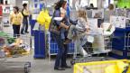 Volle Einkaufswagen in der Ikea Spreitenbach