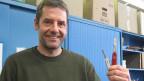 Urs Wyss von Victorinox: Das linke Messer geht ins Handgepäck, das rechte Messer nicht.