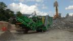 Bei der Firma Hurni in Sutz-Lattrigen wird Bauschutt zu Recycling-Kies verarbeitet.