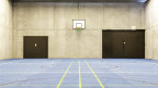 Uitikon/ZH: Das modernste Jugendgefängnis der Schweiz - im Bild die Sporthalle.