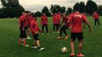 Im Training: die Fussballer des Erstligisten FC Kosova.