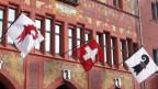 Basler und Baselbieterstab am Basler Rathaus