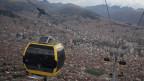 Stadtseilbahnen als Zukunftschance: die CWA-Gondeln über La Paz.