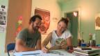 Das Künstler-Duo «Queen Kong» in einer der 60 Wohnungen der Siedlung Himmelrich.