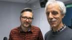 Michael Sahli (li.) im Gespräch mit Agronom Roland Stähli
