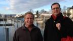 Hans Schuhwerk, Berufsfischer aus Arbon (links), und Heinz Ehmann, Gewässerschutz-Experte (rechts), treffen sich am Bodenseeufer.