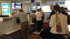 Warteschlange am Schalter am Flughafen Altenrhein