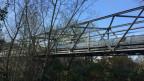 Die Brücke zwischen den Dörfern ist seit 8 Jahren gesperrt.
