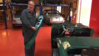 Ruedi Siegrist in seiner Oldtimer-Garage.