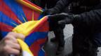 Flagge zeigen nicht erwünscht - Tibeter demonstrierten anlässlich von Chinas Staatspräsident in Bern.
