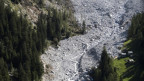 Das Felssturzgelände von Bondo von oben.