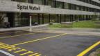 Blick auf den Eingang des Spitals Wattwil.
