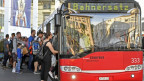 """Ein Bus, darauf steht """"Bahnersatz"""""""