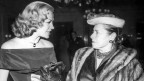 La chantadura ed actura Hildegard Knef en il discurs cun Maezenin Helena Rubinstein.