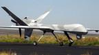 """La drona """"Predator"""" sgola senza pilot."""