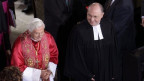 Papa Benedetg ed il president da la baselgia evangelica tudestga Nikolaus Schneider.
