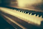 L'enconuschenta pianista Valentina Lisitsa interpretescha la renomada ovra da Rachmaninov.
