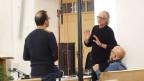 Il dj Richard Dorfmeister en discurs cun il dirigent dal project Martin Ulber.