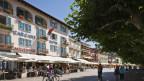 hotels e turista a la promenada d'Ascona sper il Lago Maggiore