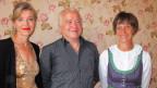 Gastgeberin Anita Richner (links) mit Cecilia Wellig und Peter Mangold.