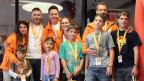 Sven Epiney mit den beiden Familien Leonardi und Ambrosini.