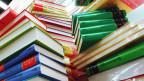 Bücherstapel (Ausschnitt)
