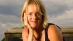 Jojo Moyes ist 44 Jahre alt. Sie lebt mit ihrem Mann und drei Kindern auf einer Farm in Essex