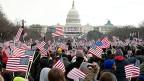 Amerikaner jubeln vor dem Weissen Haus 2012.