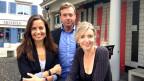 Gruppenbild von Anita Richner (rechts) mit ihren «Persönlich»-Gästen Sandra Studer und Philipp Keel.