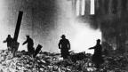 Letzte Luftangriffe auf die Reichshauptstadt (Bild: Keystone)
