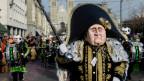 Fasnachtssujet mit einer Napoleon-Gestalt mit dem Gesicht von Fifa-Präsident Joseph Blatter