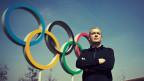 Der Autor Ilja Trojanow versucht sich in den 80 Olympia-Disziplinen (Bild: Thomas Dorn)