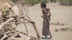 Frau mit Sohn in Äthiopien.
