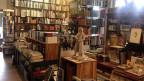 Blick in das Buchantiquariat «Libretto» in Langnau