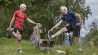 Senioren beim Joggen im Wald