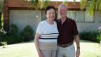 Josef und Barbara Engesser stehen vor ihrem Haus in Sidney.