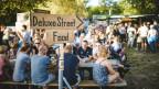 Wegweiser an einem kleineren Openair Festival
