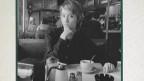 Suzanne Vega komponiert in einem New Yorker Café