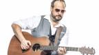 Bruno Dietrich mit Gitarre