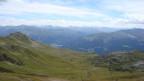Blick vom Madrisajoch in Richtung Klosters- Davos. Auch von steilen Alpenpässen liessen sich die Walser auf ihrem Weg nach Eigenständigkeit nicht abhalten.