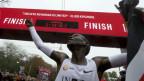Eliud Kipchoge sprengt die Zweistundengrenze im Marathon.