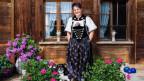 Anita Mosimann vor ihrem Haus im Emmental