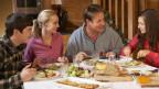 Familie beim Essen