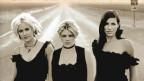 Die Chicks knüpfen da an, wo sie aufgehört haben: perfekter Satzgesung und guter Mix zwischen Country und Pop.