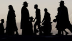 Ultra-orthodoxe Juden unterwegs in Jerusalem.